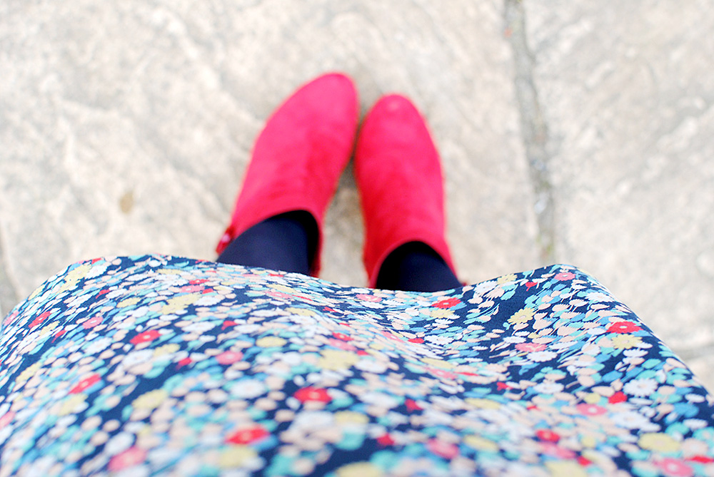 Floral, Navy, Red, Lime Outfit Post by onetenzeroseven