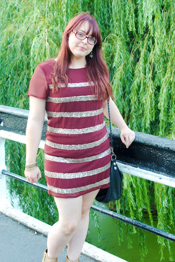 Outfit Post, WHat I Wore Today, Outfit of the Day, Glitter, Gold, Boots, Burgundy, OOTD