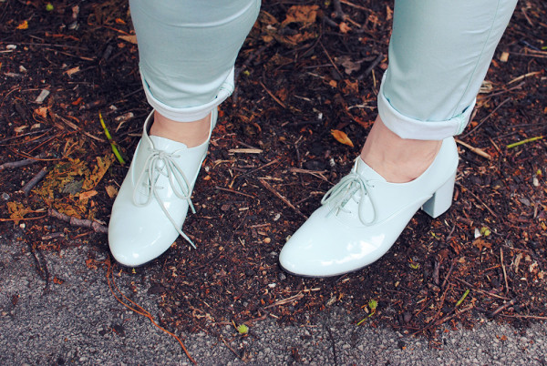 Mint Brogues