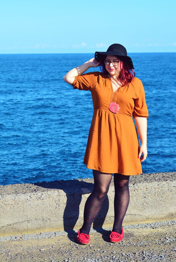 Autumn Outfit Post at Catania Harbour in Sicily
